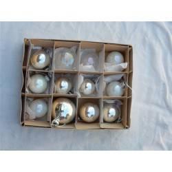 Doos met 12 kerstballen