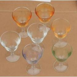 Zeven wijn glazen