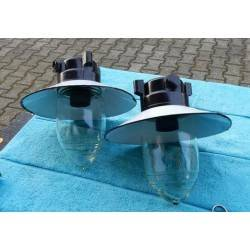 twee buitenlampen L3065